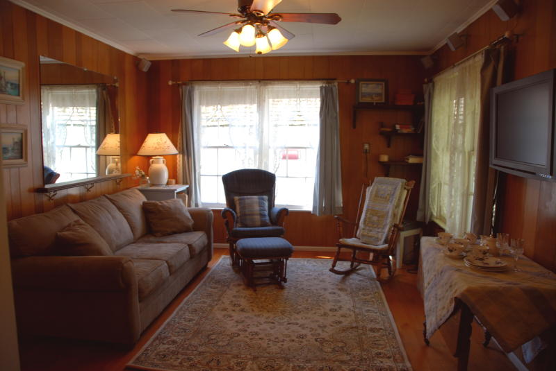 This is the living room at Lora's cottage.  The sofa is also a hide a bed.  Vizio flat panel 42 inch TV